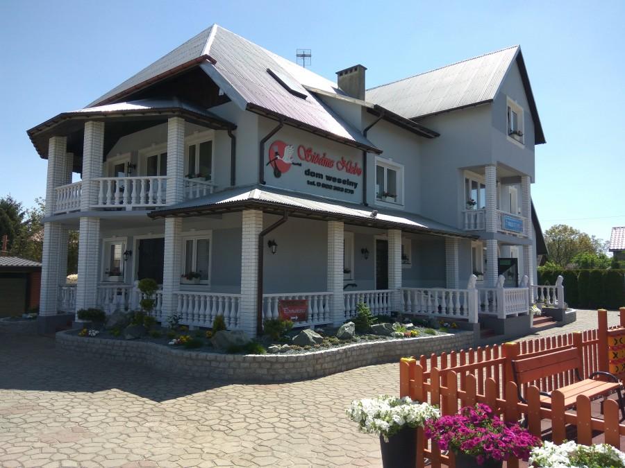 dom_weselny_siodme_niebo_czerwińsk_budynek_pokoje_sala_kameralna